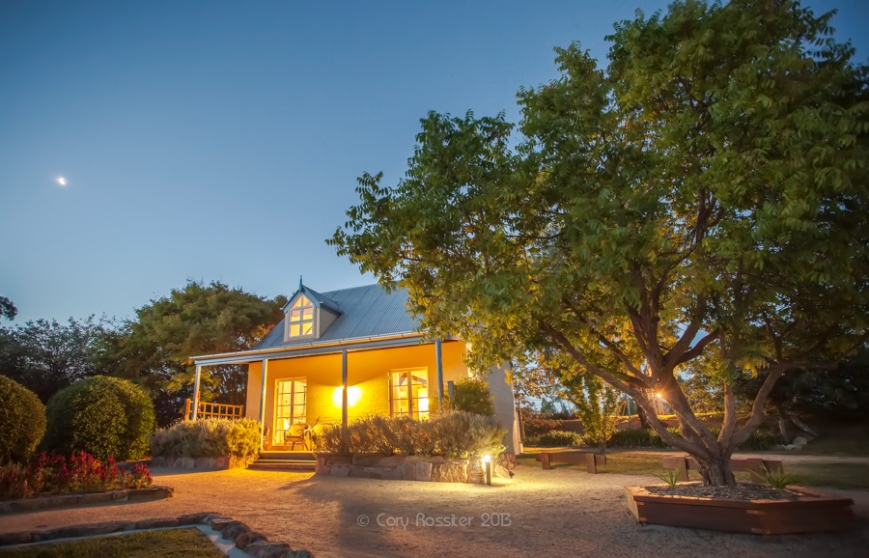 Vineyard-cottages-ballandean-commercial-photography-by-cory-rossiter-southeast-qld-northern-nsw-1