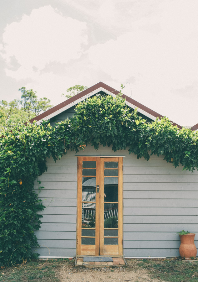 Elizabeth_Alan_wedding_diamondvale_cottages_stanthorpe_by-cory-rossiter_photography_design-6