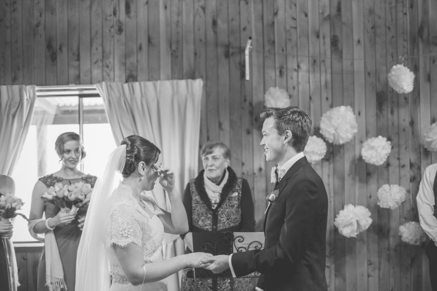 Clarissa-Ben-Wedding-at-happy-valley-stanthorpe-qld-by-cory-rossiter-photography-and-design-17