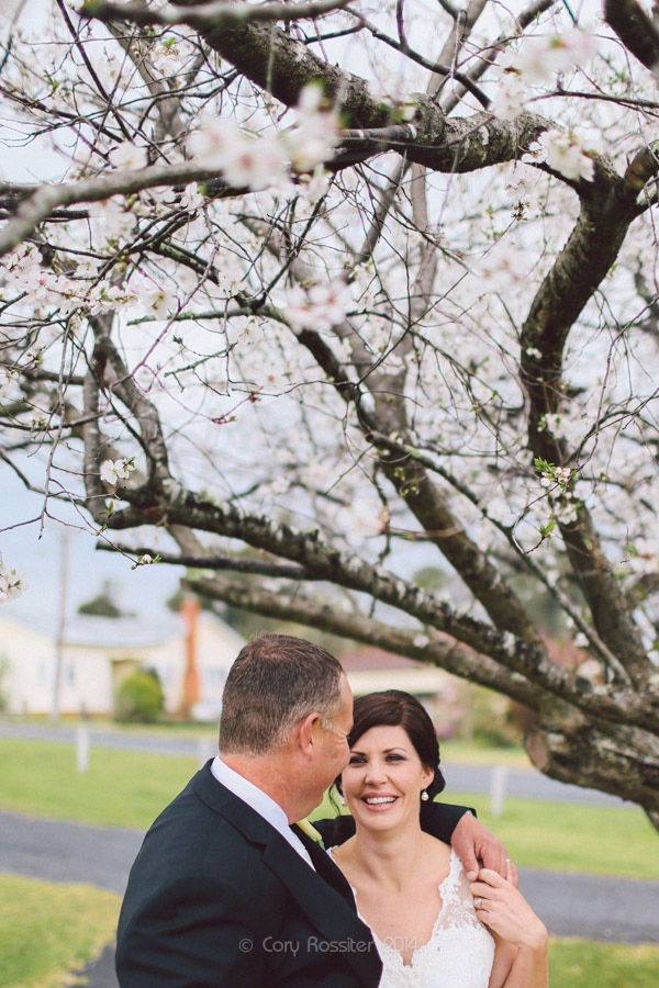 Angela_Paul_wedding_in_teneterfield_NSW_by_cory_rossiter_photography_design-37