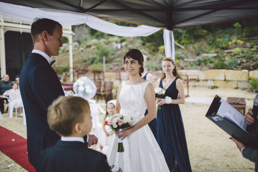 alena-john-wedding-ronthedowns-yangan-qld-by-cory-rossiter-36