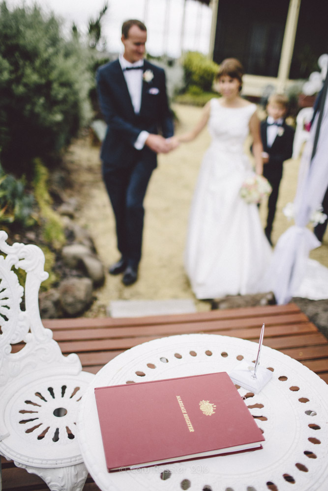 alena-john-wedding-ronthedowns-yangan-qld-by-cory-rossiter-41