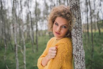 Fashion-shoot-for-ekka-laura-churchill-by-cory-rossiter-12